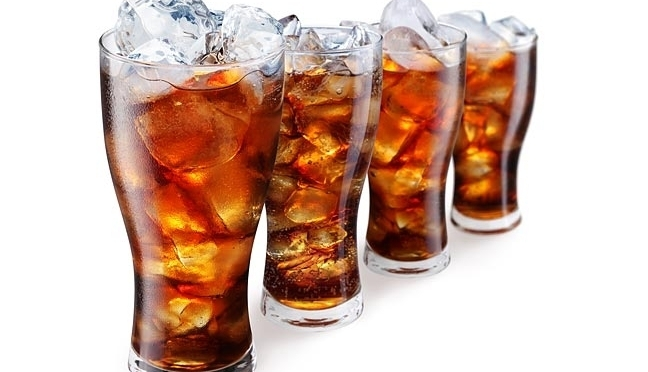 10 Reasons to STOP Drinking Diet Soda